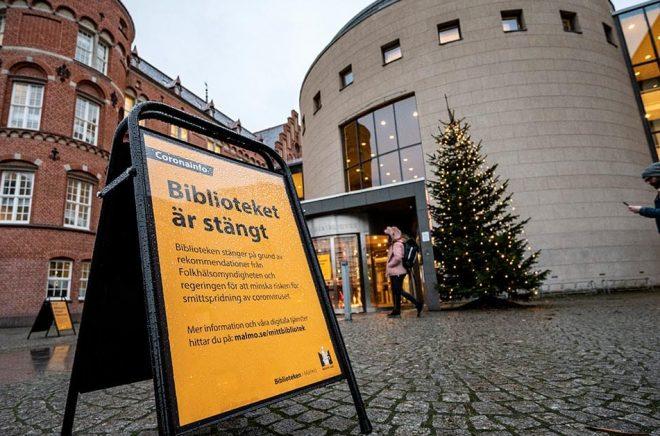 De flesta av landets bibliotek har varit stängda sedan den 18 december, men nu öppnar allt fler. Arkivbild: Johan Nilsson/TT.