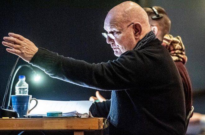 Lars Norén i regissörsstolen på Dramaten. Arkivbild: Lars Pehrson/SvD/TT.