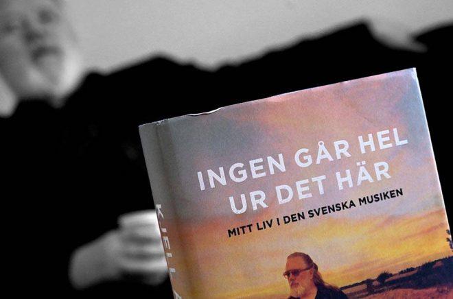 """Musikproducenten Kjell Andersson gav nyligen ut en bok om sin karriär; """"Ingen går hel ur det här"""