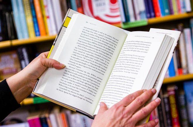 Mer än var fjärde svensk har läst mer under pandemin, visar en Novusundersökning. Arkivbild: Gorm Kallestad/NTB/TT.