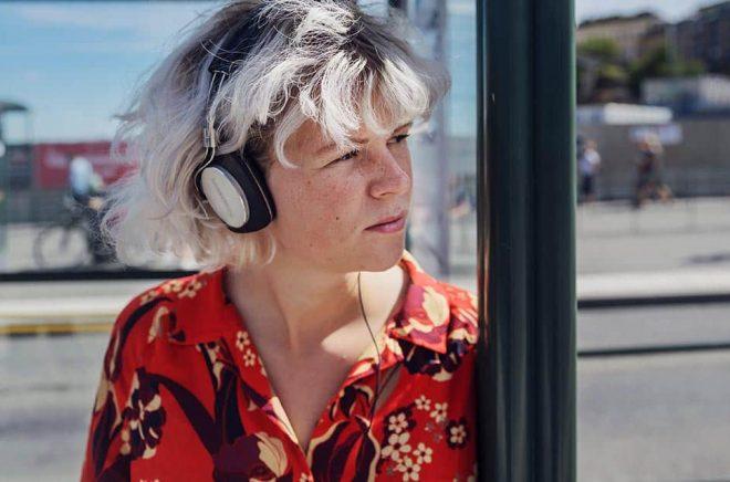 Varannan svensk lyssnar regelbundet på podd, visar en ny undersökning. Arkivbild: Stina Stjernkvist/TT.