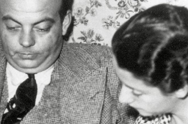 Antoine de Saint-Exupéry tillsammans med hustrun Consuelo. Arkivbild: AP/TT.