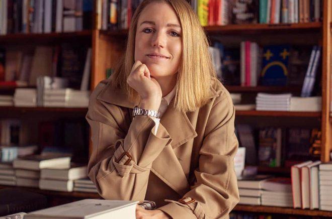 Nina Wikner, tidigare Åkestam, startar litteraturpodden