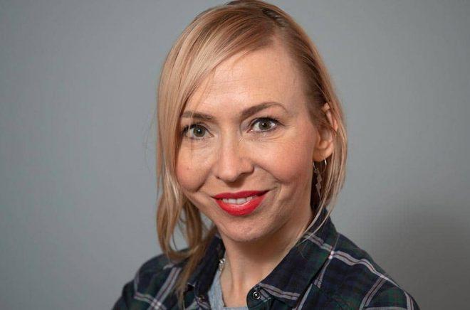 Jenny Jägerfeld är en av författarna i Barnradions poddserie