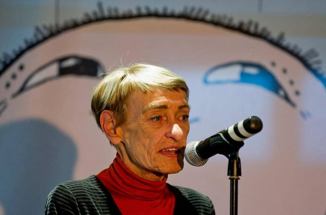 Gunilla Bergström, barnboksförfattare och illustratör, hyllas av Löfven. Arkivbild: Adam Ihse/TT.