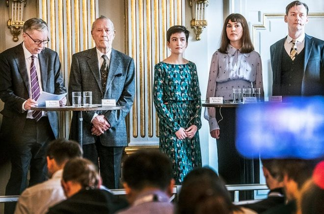 Det blir inga fler externa medlemmar i Svenska Akademiens Nobelkommitté, säger Per Wästberg till Dagens Nyheter. Här ser vi Anders Olsson och Per Wästberg tillsammans med de externa medlemmarna Rebecka Kärde, Mikaela Blomqvist och Henrik Petersen. Arkivbild: Tomas Oneborg/SvD/TT.