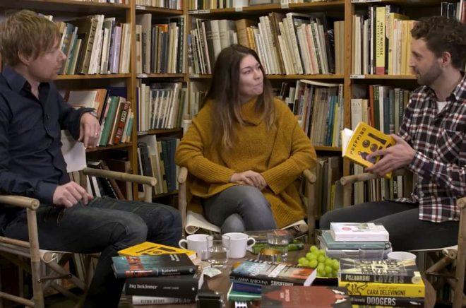 Författaren Peo Bengtsson, bokbloggaren Pernilla Wellrath och författaren Alex Haridi är med i det fjärde avsnittet a Youtube-serien