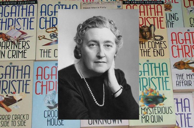 Agatha Christies böcker (på engelska) har getts ut exklusivt av HarperCollins i snart ett århundrade. Bakgrund: Flickr/loulrc. Porträtt Agatha Christie: Wikimedia Commons