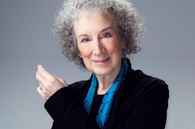 Författaren Margaret Atwood har bland annat skrivit Handmaid's Tale, boken bakom tv-serien med samma namn. Foto: Jean Malek.