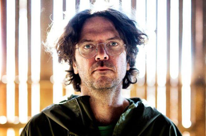 Axel Lindén tilldelas Aftonbladets litteraturpris 2020. Foto: Stefan Jerrevång/Aftonbladet