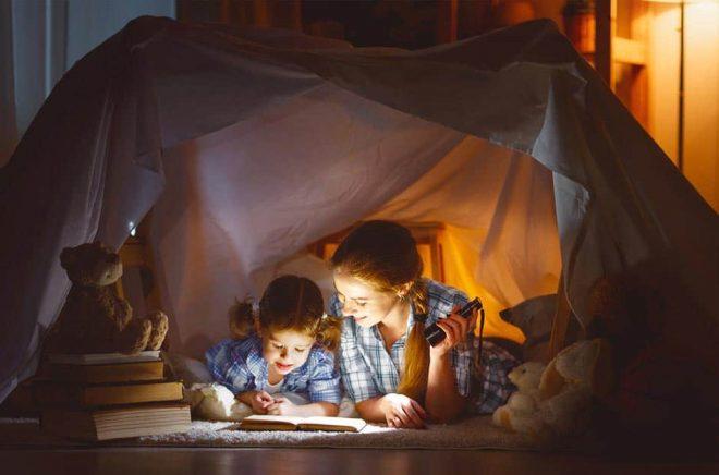Vilka barnböcker ska ni läsa i höst? Foto: iStock.