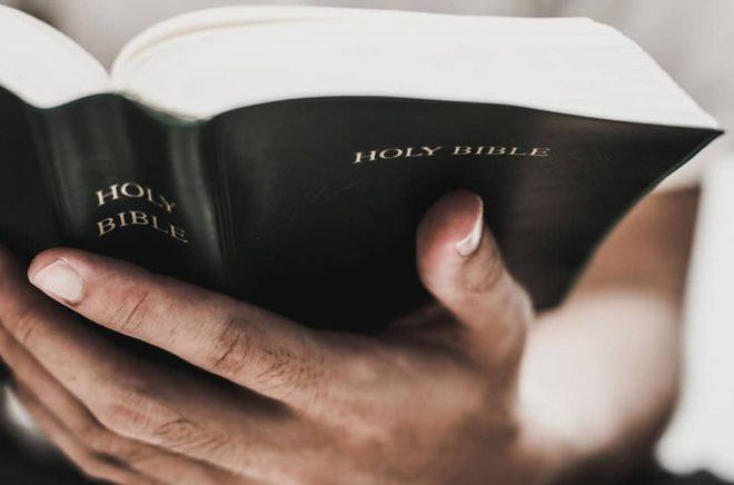 Världens mest sålda bok? Varje år säljs 20 miljoner biblar i USA och ännu fler delas ut gratis. Och tre av fyra biblar trycks i Kina - som nu riskerar strafftullar och därför hotar bibelbrist, menar förlag. Foto: iStock.