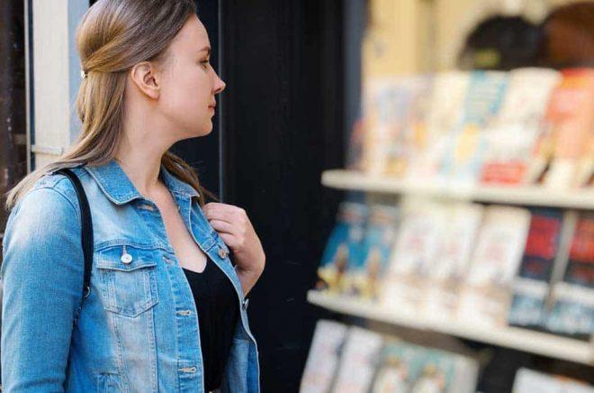 Öppet eller stängt? Det är tuffa beslut för bokhandlare runtom i världen just nu. Foto: iStock.