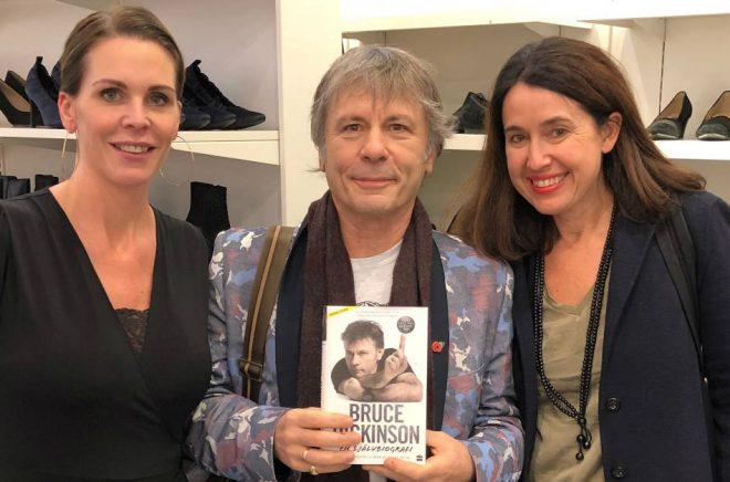 Bruce Dickinson med Sarah Wallskog Lindvall och Carina Nunstedt från HarperCollins Nordic.