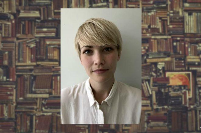 Ellen Karlsson, ny bilderboksredaktör på Rabén & Sjögren. Foto: Richard Åström