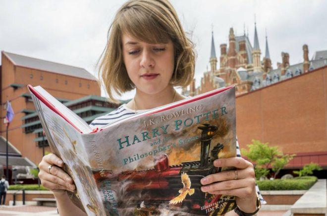 Utställningen Harry Potter: A History of Magic på The British Library har stängt sina fysiska portar och flyttar istället ut på nätet. Foto: Tony Antoniou/The British Library