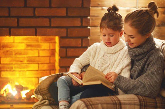 Högläsning är ovärderligt för att skapa läsglädje hos barn, inte bara för att träna läsning. Foto: Istock