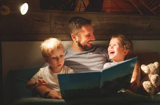 Läsa och sjunga med barnen - en aktivitet som alla mår bra av