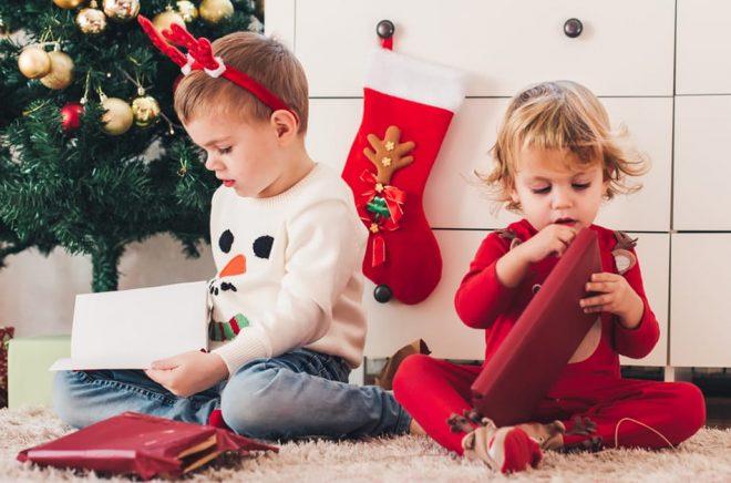 Böcker är populära julklappar - men vad händer när böckerna blir digitala? Foto: iStock.