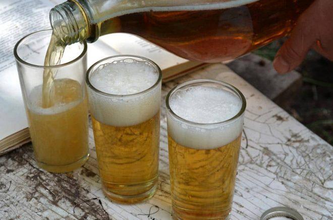 Är det finare att brygga sin egen öl än att ge ut sina egna böcker? Foto: iStock.