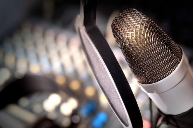 Under Bokmässan kan besökarna testa sin röst i Bonniers ljudstudio. Foto: iStock