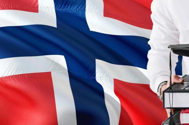 Den norska marknaden för läromedel blir allt mer digital. Under 2019 föll bokförsäljningen räknat i norska kronor. Foto: iStock.