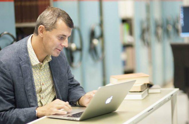 Pelle Snickars, professor i medie- och kommunikationsvetenskap med inriktning mot digital humaniora.