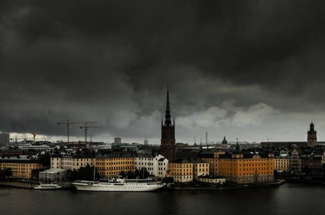 Stig Knutsson skriver om det som händer på samhällets skuggsida. Foto: Istock