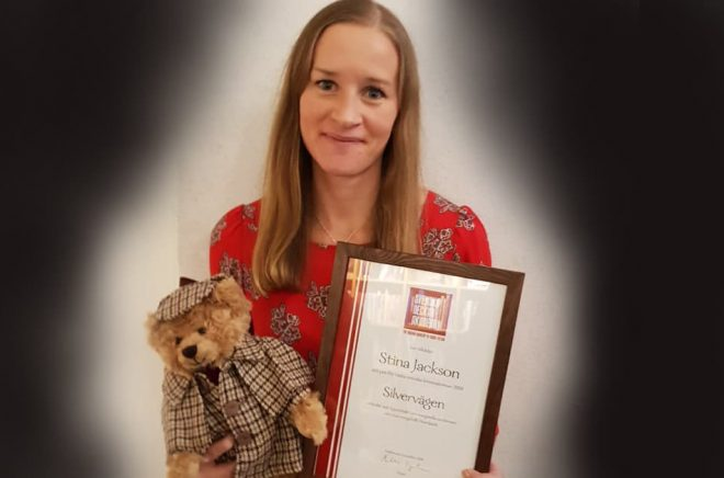 Vinnare av Årets kriminalroman 2018 - Stina Jackson med Silvervägen. Foto: Svenska Deckarakademin.