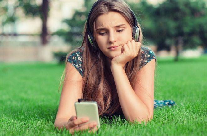 Saknas ljudboken du ville lyssna på? Bonnierförlagen släpper inga nyheter till Storytel sedan 1 april 2019. Är det något ljudbokslyssnare får vänja sig vid i framtiden? Foto: iStock.
